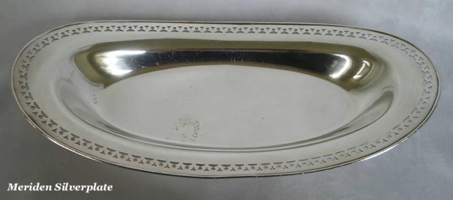 Meriden silverplated bread tray